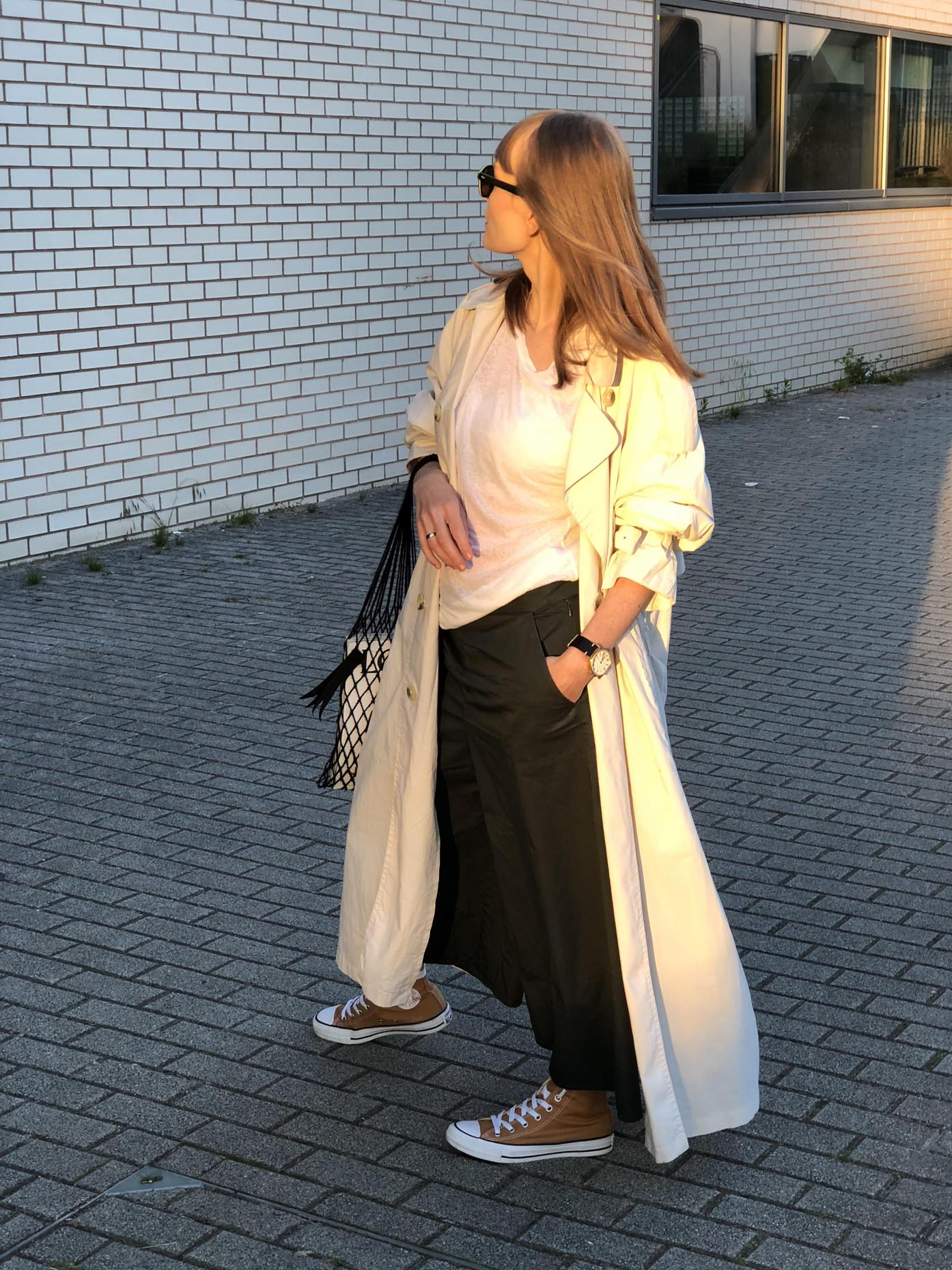 fashion art media, sneakers - Converse All Star, trench coat - Burberry vintage, culottes pants - COS, shirt - Zara, bag - Ania Kuczyńska, sunglasses - MOSCOT, watch - Hirwill Watches photo by longsoryshort.pl